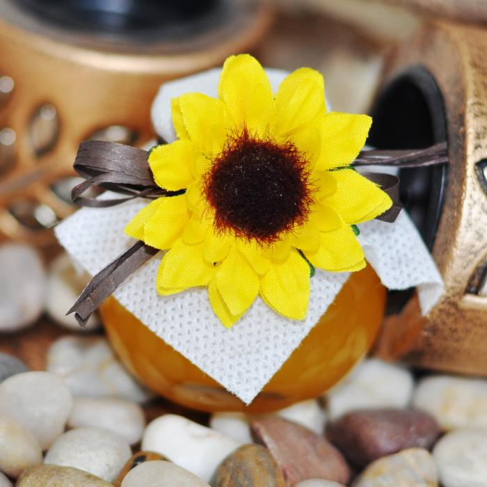 Unique wedding favour - honey jar with a sunflower