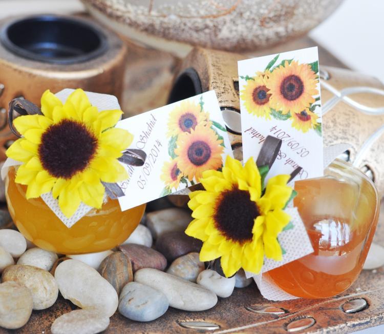 Unique wedding favour - honey jar with a sunflower
