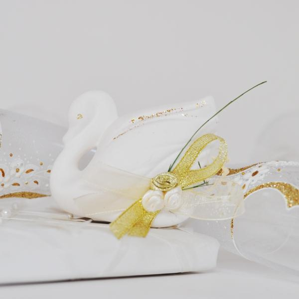 Wedding favours souvenir - Ceramic Swan