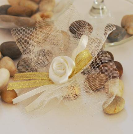 Wedding favour gift - Bonbonniere decorated with tulle