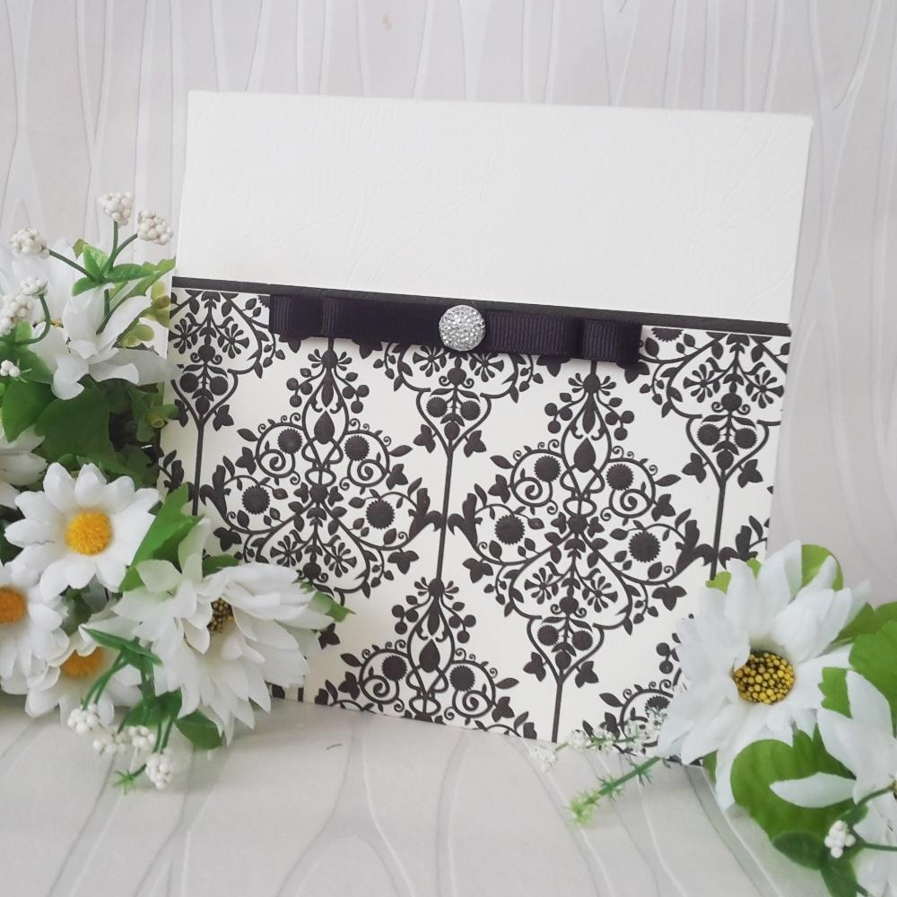 Invitations with floral elements in black