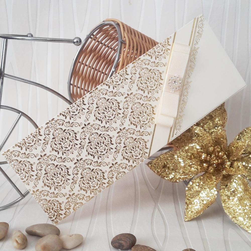 Luxury invitations with golden ornaments