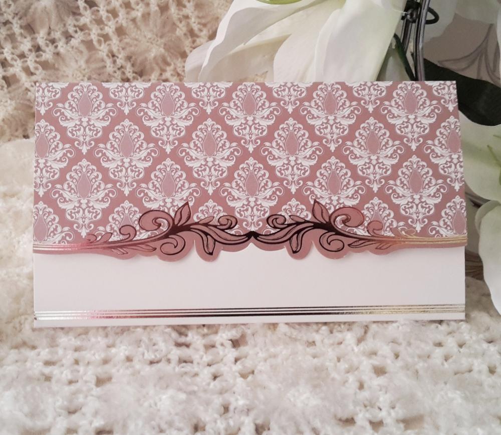 Captivating wedding invitation