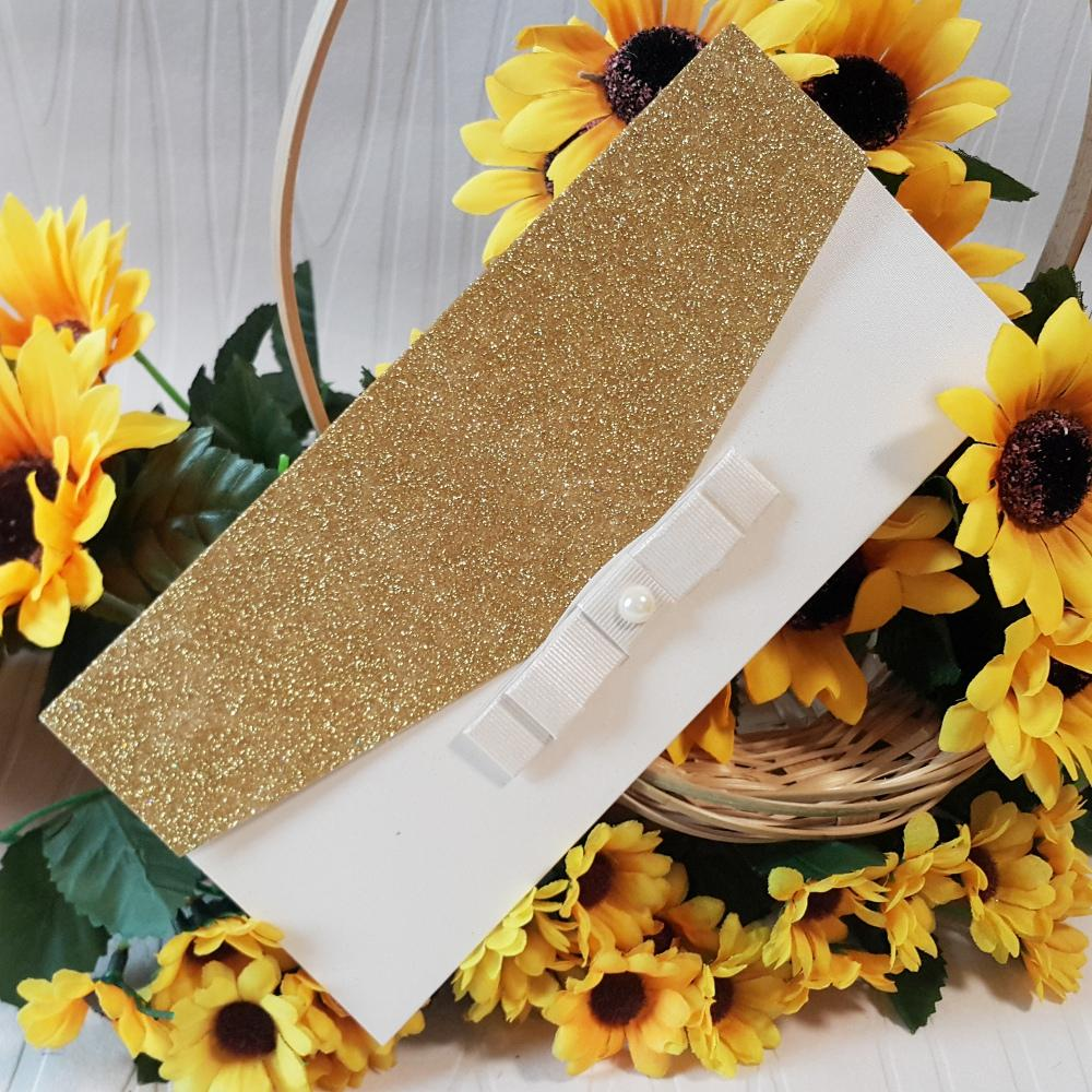 Elegant invitation with a gold textured pattern