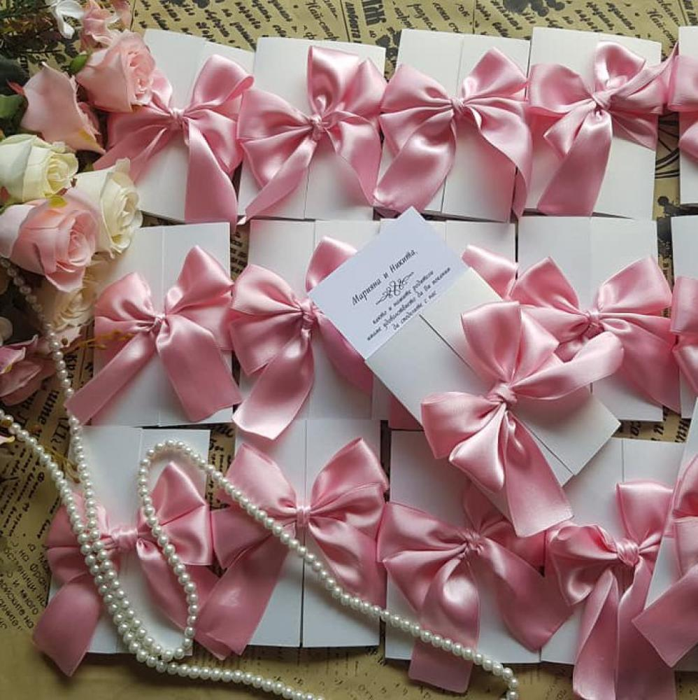 Luxury wedding invitation in a beautiful pastel pink