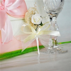 Wedding boutonniere with 1 artificial white velvet rose